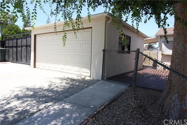798 Bunker Hill Drive, San Bernardino CA: http://media.crmls.org/medias/09e1fddc-1286-46ba-8b90-86c1f68a6508.jpg