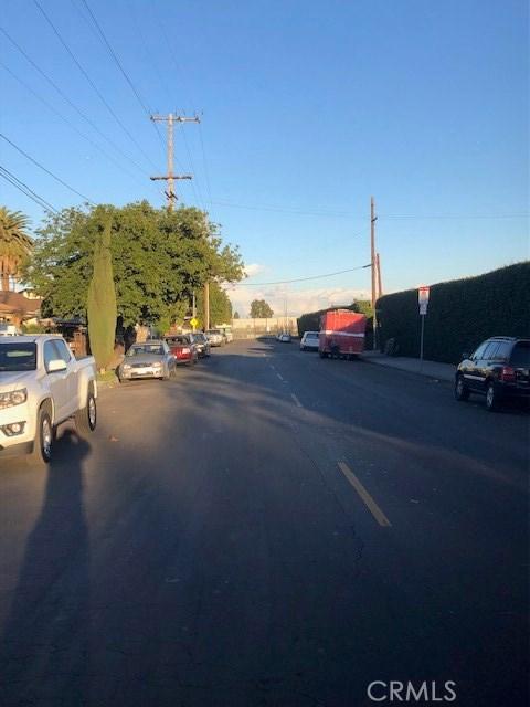 845 E 111th Pl, Los Angeles, CA 90059 Photo 3