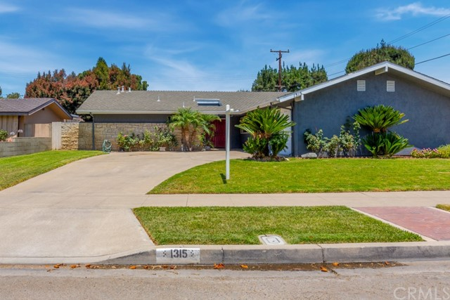 One of Ranch Orange Homes for Sale at 1315 E Greenview Drive