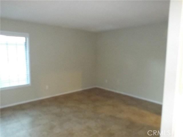 600 Central Avenue, Riverside CA: http://media.crmls.org/medias/09fe28ab-029f-411b-b00d-0f0905fbffe2.jpg