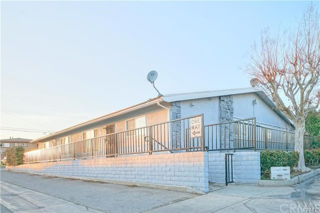17441 Queens Lane, Huntington Beach CA: http://media.crmls.org/medias/0a0362e5-2d12-4357-82f9-91ec28c5815c.jpg