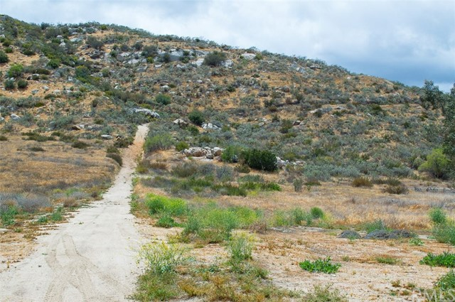 0 Pixley Canyon Road, Hemet CA: http://media.crmls.org/medias/0a0c3ddc-75ae-47b4-b592-4c2370bdff38.jpg