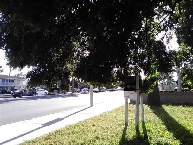 7401 Katella Avenue, Stanton CA: http://media.crmls.org/medias/0a16cfd3-0e21-49e8-91d5-3609dc808b07.jpg