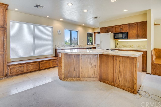 3960 Hord Valley Road, Creston CA: http://media.crmls.org/medias/0a18bc73-71c4-49a1-b282-e5bac67707ea.jpg