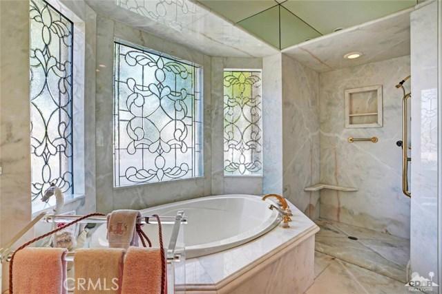 31 Victoria Falls Drive, Rancho Mirage CA: http://media.crmls.org/medias/0a24fdf4-f706-44b1-b819-f4842c89a736.jpg