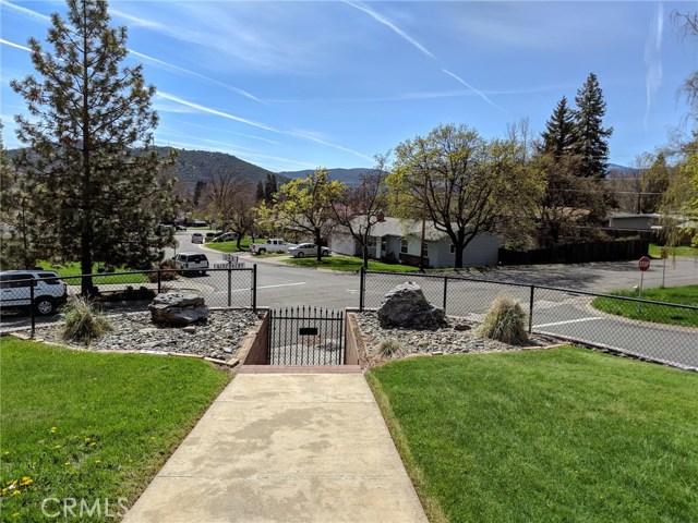 501 Discovery Street, Yreka CA: http://media.crmls.org/medias/0a2b5d09-9840-49e8-8959-8c1d55337246.jpg