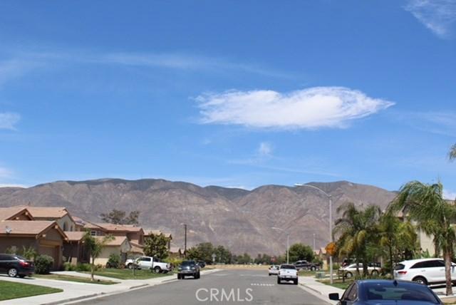 1130 Laurelhurst Heights, San Jacinto CA: http://media.crmls.org/medias/0a39b38e-2f3a-41d7-be42-c8c7d48aa6ea.jpg