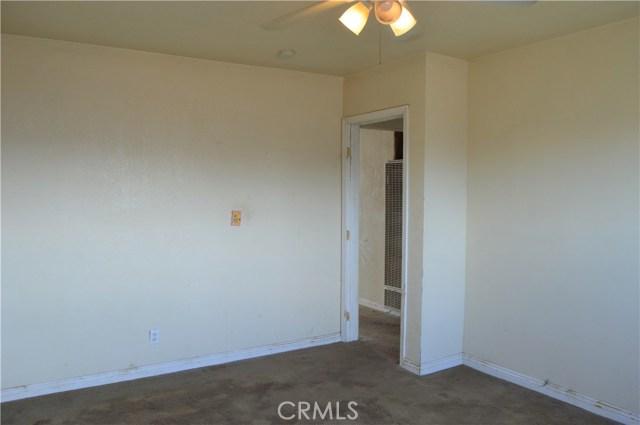 26179 6th Street, Highland CA: http://media.crmls.org/medias/0a39cd1b-f312-4aac-b181-60c2850b594c.jpg