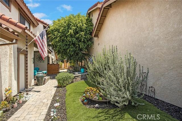 23 Varesa, Irvine CA: http://media.crmls.org/medias/0a3e1514-4ef1-4560-9298-b75f0f9cbff2.jpg