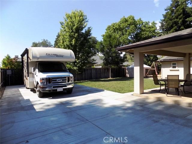 1992 Vallombrosa Avenue, Chico CA: http://media.crmls.org/medias/0a4d4033-6052-4f3b-8679-b369b134213f.jpg