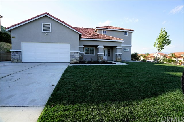Single Family Home for Sale at 18696 Cedar Avenue W Bloomington, California 92316 United States