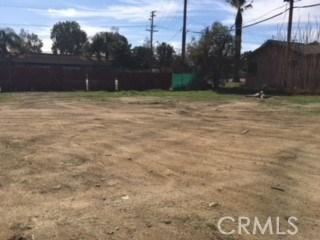 5695 Arlington Ave., Riverside CA: http://media.crmls.org/medias/0a5883d6-89c4-4278-ade5-f7ab1585c0ff.jpg