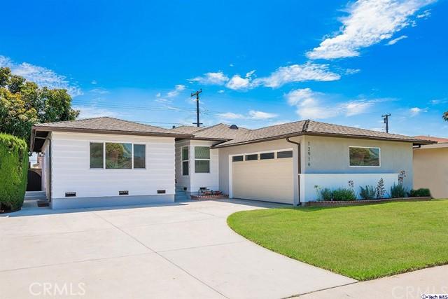 13916 Daphne Avenue, Gardena, California 90249, 3 Bedrooms Bedrooms, ,2 BathroomsBathrooms,Residential,For Sale,Daphne,319003233