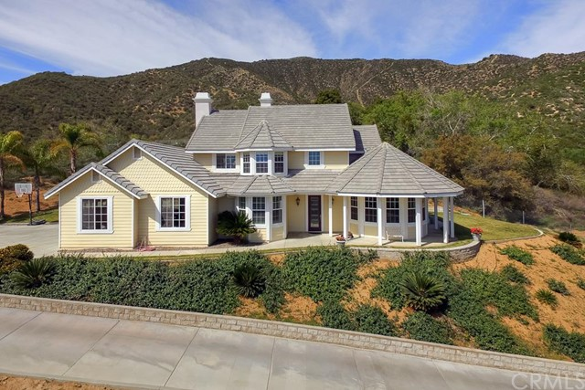 Single Family Home for Sale at 9277 Lofty Lane Cherry Valley, California 92223 United States