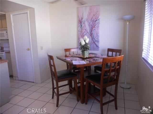 46943 Highway 74, Palm Desert CA: http://media.crmls.org/medias/0a8c7eb6-2725-41d3-b583-2792bc2951a4.jpg