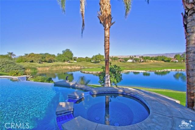 104 Loch Lomond Road, Rancho Mirage CA: http://media.crmls.org/medias/0a94fb2b-5a37-424f-b8ca-9e195d7d2fd9.jpg