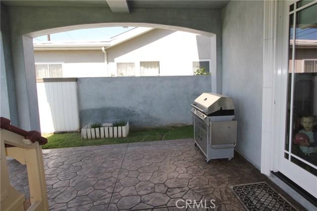 21841 Ocean Avenue, Torrance CA: http://media.crmls.org/medias/0a9b4580-db60-4600-a984-76e2930bb551.jpg