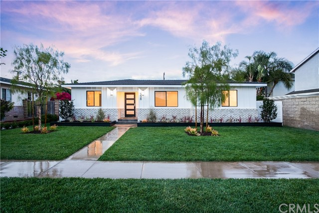 Photo of 338 E 19th Street, Costa Mesa, CA 92627