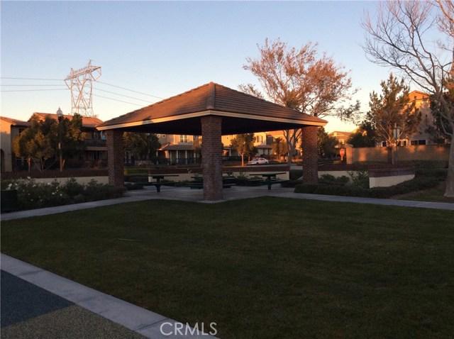 15723 Parkhouse Drive, Fontana CA: http://media.crmls.org/medias/0ab42349-dc8b-492c-83ab-ffb6c4f413c0.jpg