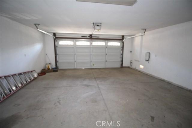 111 Manning Street, Lake Elsinore CA: http://media.crmls.org/medias/0aba839b-8216-4128-a9b7-e185509ff0da.jpg
