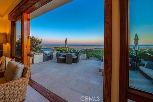 7202 Oceanfront, Newport Beach, California 92663, 4 Bedrooms Bedrooms, ,3 BathroomsBathrooms,Residential Purchase,For Sale,Oceanfront,OC21125204