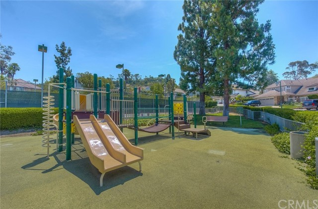6203 E Allison Circle, Orange CA: http://media.crmls.org/medias/0acdd9b7-6c87-4c8a-93cf-12ea9b9911aa.jpg