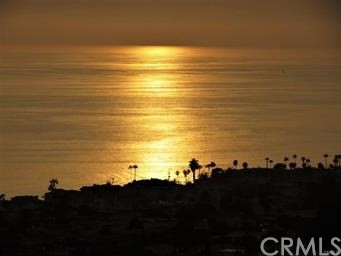 303 E Avenida Cordoba, San Clemente CA: http://media.crmls.org/medias/0ad67137-d579-4e58-9437-1b094fa90984.jpg