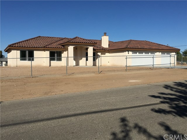 Single Family Home for Sale at 18220 Pitache Street Hesperia, 92345 United States