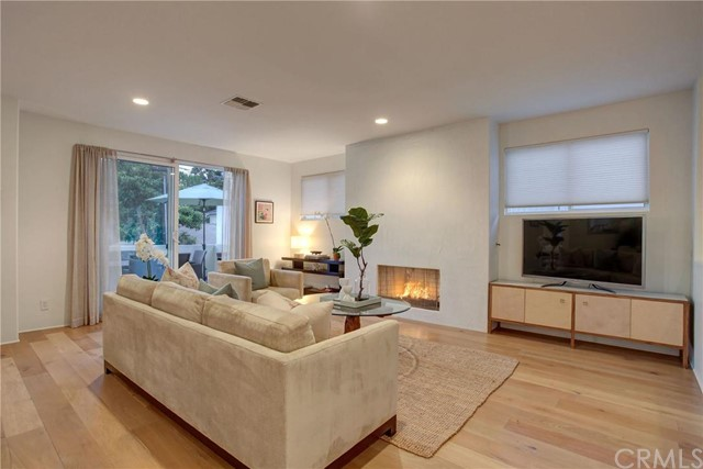 Additional photo for property listing at California Coastal Contemporary home 2906 Pine Avenue Manhattan Beach, California,90266 United States