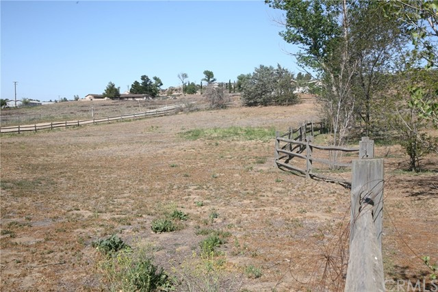 40725 Brook Trails Way, Aguanga CA: http://media.crmls.org/medias/0aec88d7-e55f-4266-bddb-d80ba456e39b.jpg