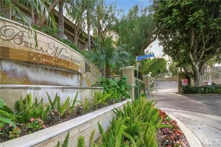 Photo of 5260 Premiere Hills Circle #204, Woodland Hills, CA 91364