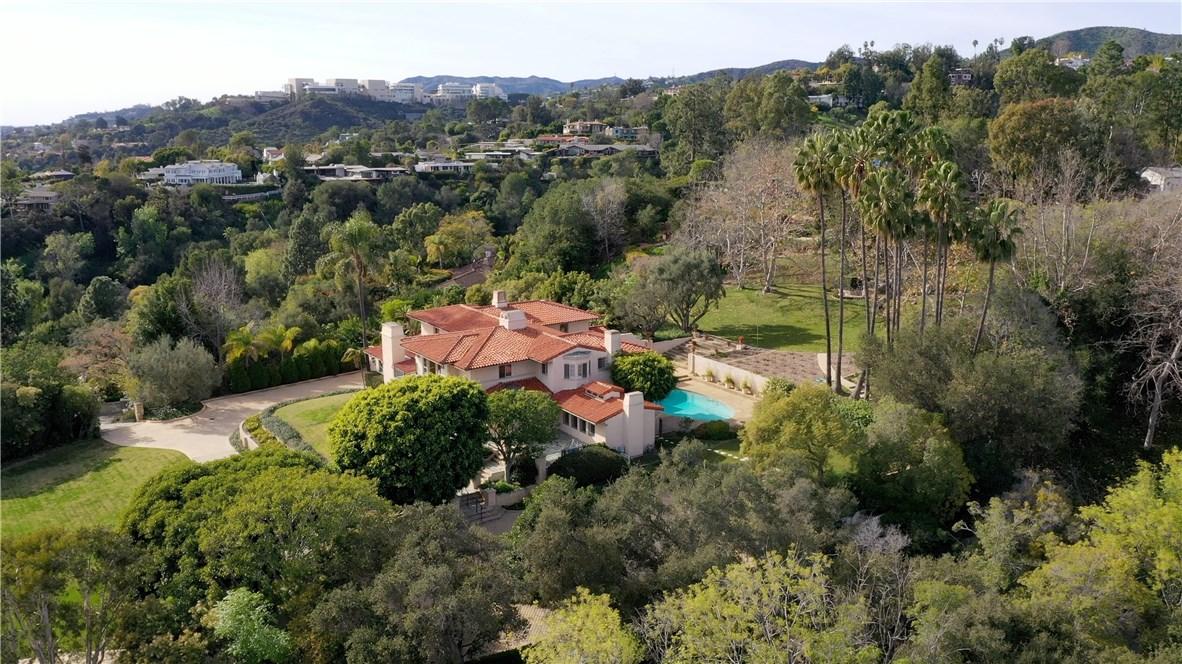 655 Funchal Rd, Los Angeles, CA 90077 Photo 3