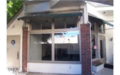 24 W Sierra Madre Boulevard, Sierra Madre CA: http://media.crmls.org/medias/0b009ba8-855d-493d-a373-27357acbc58c.jpg