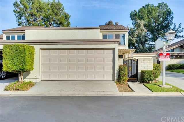 Detail Gallery Image 1 of 1 For 5556 E Vista Del Este, Anaheim Hills, CA 92807 - 3 Beds | 2/1 Baths