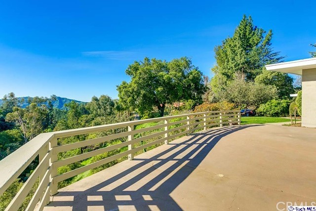 4644 Hillard Avenue La Canada Flintridge, CA 91011 is listed for sale as MLS Listing 317002208