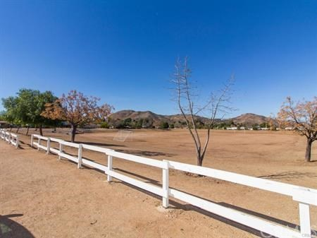 33621 E Harvest Way Wildomar, CA 92595 - MLS #: SW18049233