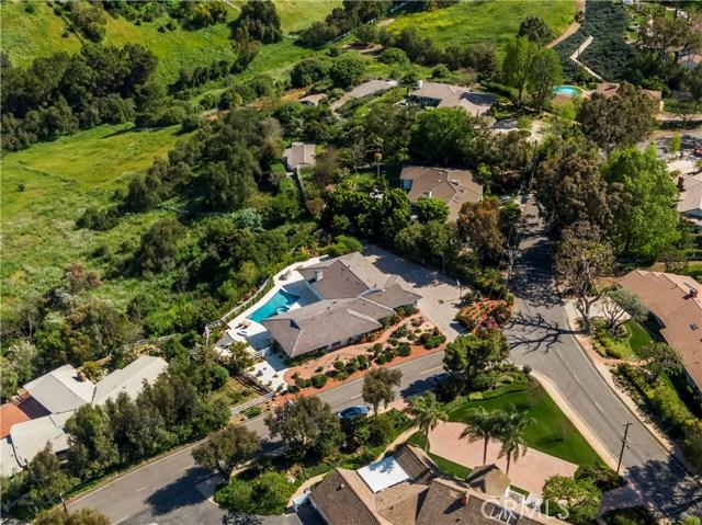 1 Maverick Lane, Rolling Hills CA: http://media.crmls.org/medias/0b1f996f-8d25-4a8a-bee1-9ae2f3635760.jpg