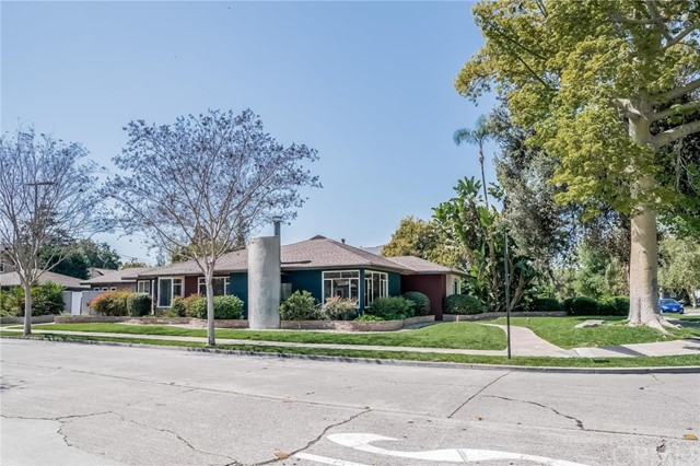 Single Family Home for Sale at 2402 North Park St 2402 Park Santa Ana, California 92706 United States