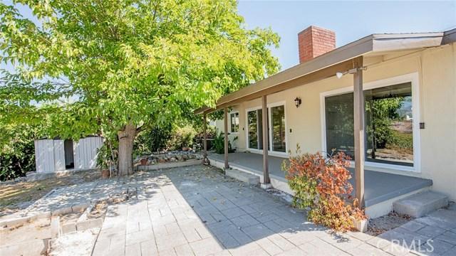 16241 Lassen Street, North Hills CA: http://media.crmls.org/medias/0b2a484b-c1ba-4142-beaf-cec4d04692af.jpg