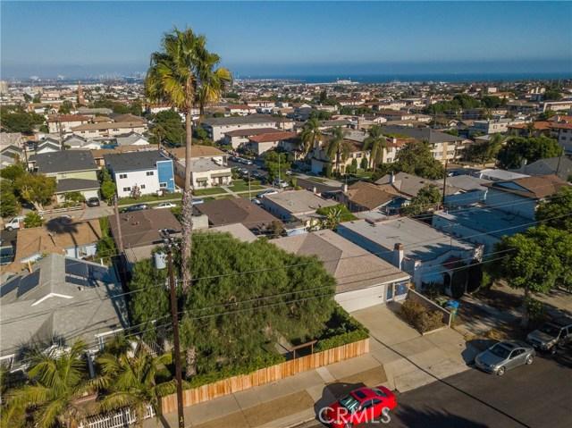 730 Oro Terrace, San Pedro CA: http://media.crmls.org/medias/0b3311cd-be7d-449b-b46a-dc7a1d4eb4f7.jpg