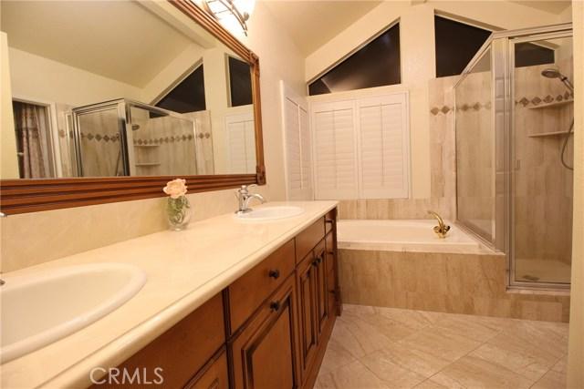 317 Amber Ridge Lane, Walnut CA: http://media.crmls.org/medias/0b34af96-a33c-42a0-81c9-cb0243585639.jpg