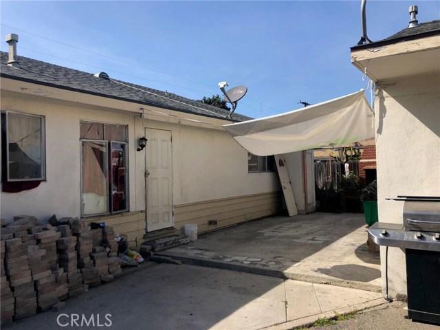 1009 N Bewley Street, Santa Ana CA: http://media.crmls.org/medias/0b4446f7-ec78-4d0e-abbb-c622ac7ca172.jpg