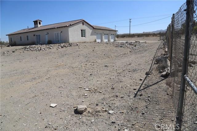 14794 Columbine Street, Victorville CA: http://media.crmls.org/medias/0b5939d1-8177-4d2b-9497-3869206f46bd.jpg