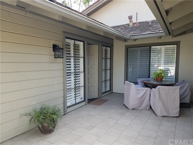 Townhouse for Rent at 6 Lago Norte Irvine, California 92612 United States