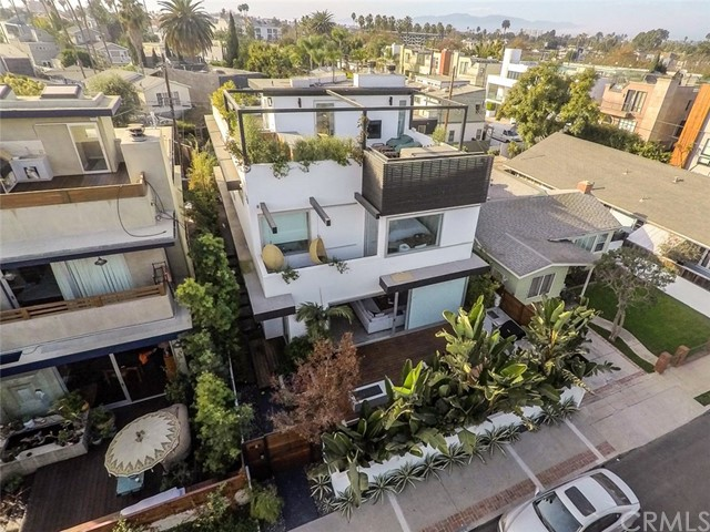Single Family Home for Rent at 2321 Mckinley Avenue 2321 Mckinley Avenue Venice, California 90291 United States