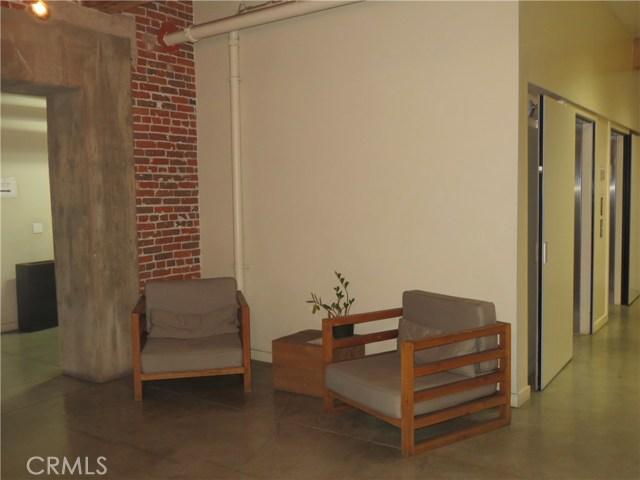 527 S Molino Street, Los Angeles CA: http://media.crmls.org/medias/0b684965-c262-49ca-980c-7e548dd45a4d.jpg