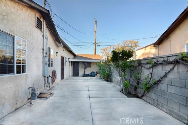 1715 W 152nd Street, Compton CA: http://media.crmls.org/medias/0b68fdf5-5d81-49a2-8b56-0117ec399e7f.jpg