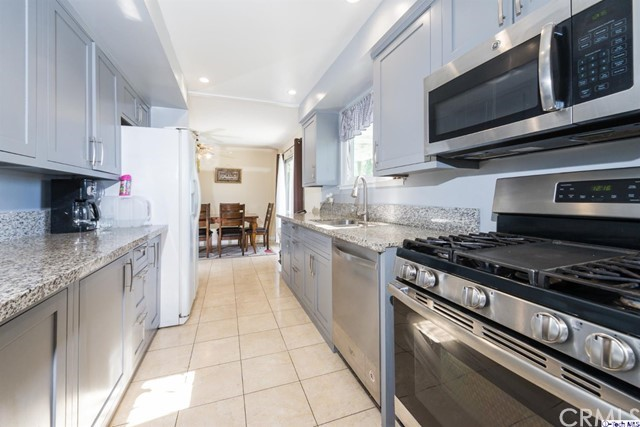 16446 Armstead Street, Granada Hills CA: http://media.crmls.org/medias/0b90dc84-cb96-48de-93f0-793ed44ac9a8.jpg