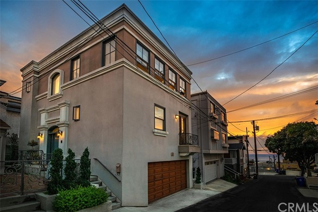 228 9th Place, Manhattan Beach, California 90266, 3 Bedrooms Bedrooms, ,4 BathroomsBathrooms,Single family residence,For Sale,9th,SB19029097