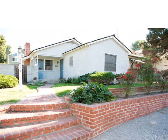 2416 Pine Avenue Manhattan Beach, CA 90266 - MLS #: SB17186446